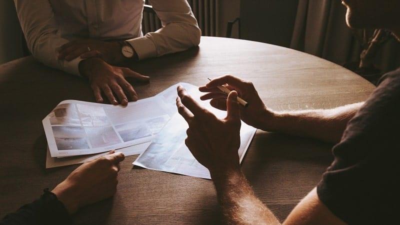 umowa z pośrednikiem nieruchomości
